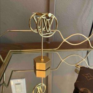2021 fashion trend, designer hoop earrings